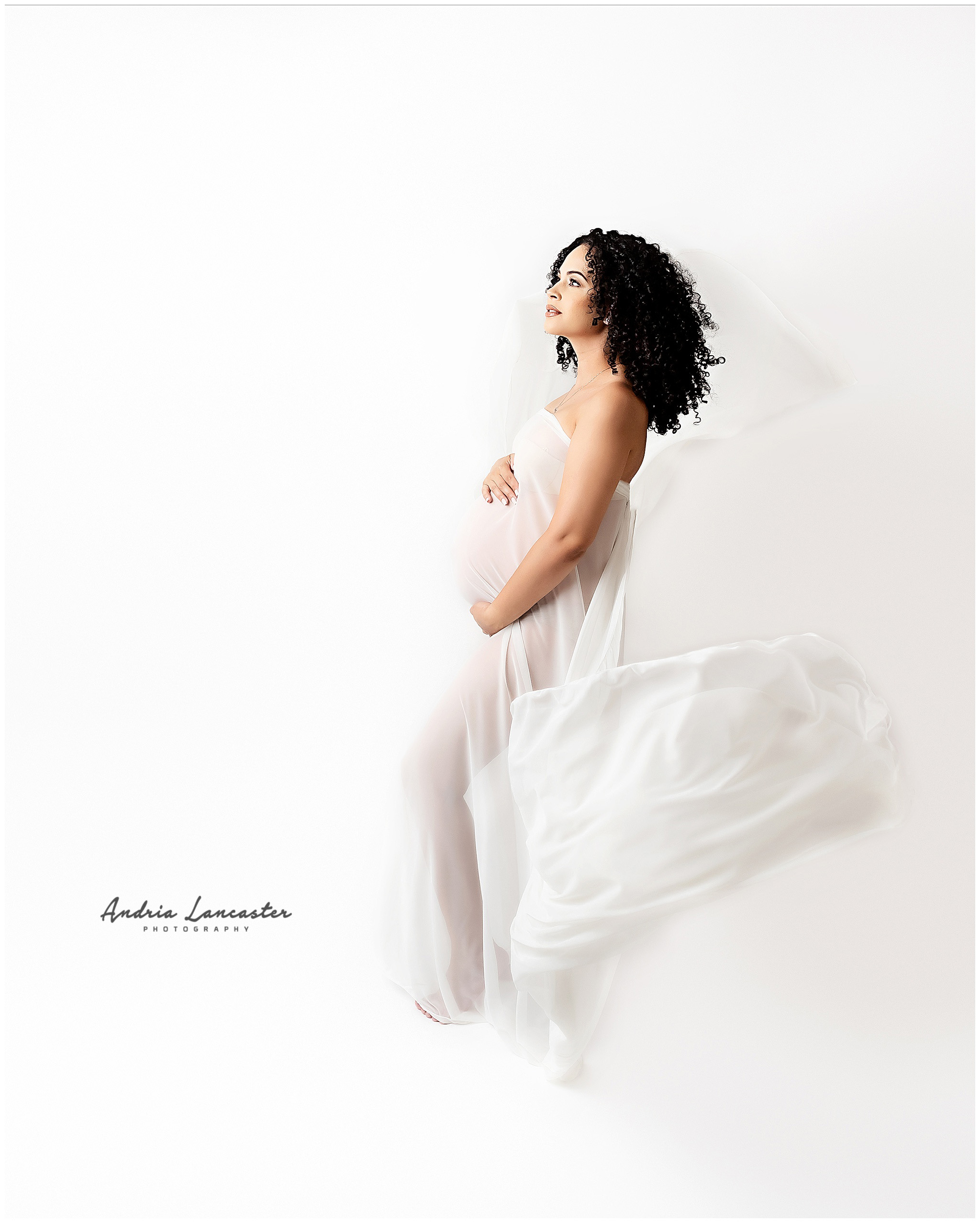 are maternity photos worth it all white fabric