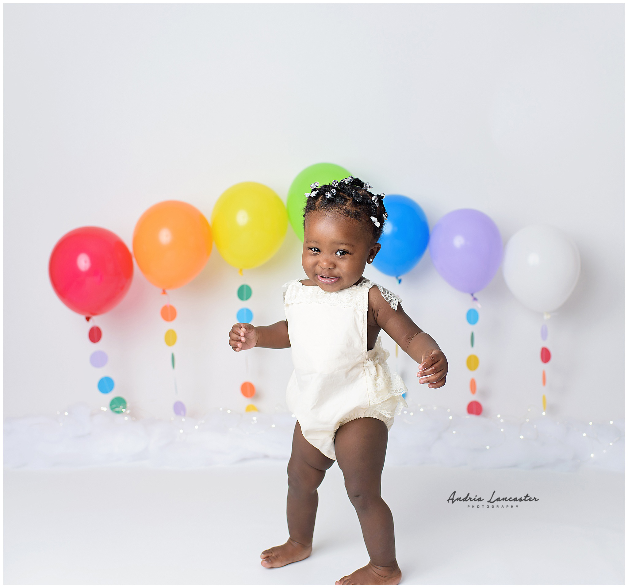 one year old dancing cake smash session